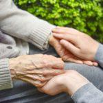 高齢のがん患者は早く死ねか?
